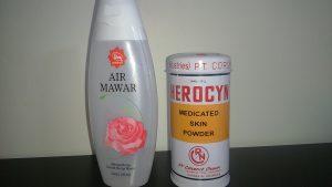 Bedak Herocyn dan Air mawar
